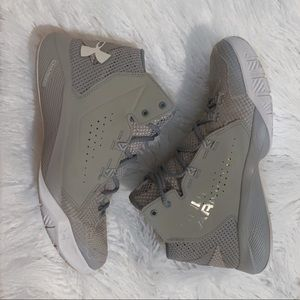 Under Armour grey - blue white basketball high top